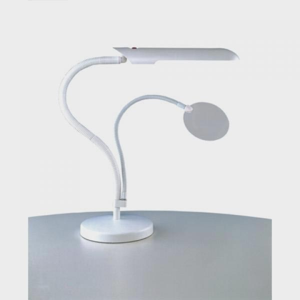 Lampe Loupe De Table Daylight Sur Socle A Lumiere Blanche