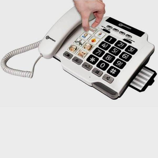 Téléphone gros caractères blancs sur fon noir