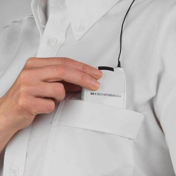 Lampe portable dont l'accumulateur se glisse dans une poche