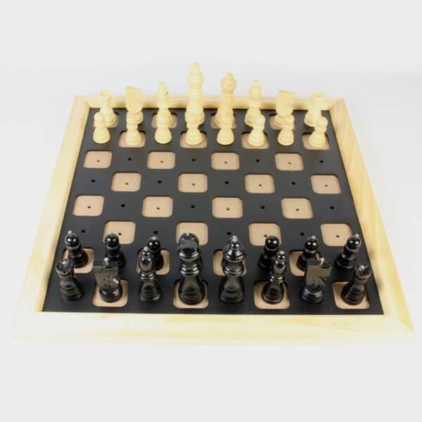 Jeu d'échecs pour non voyants et malvoyants