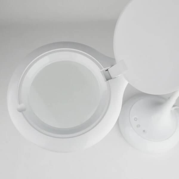 Lampe loupe lumiere avec led autour de la lentille