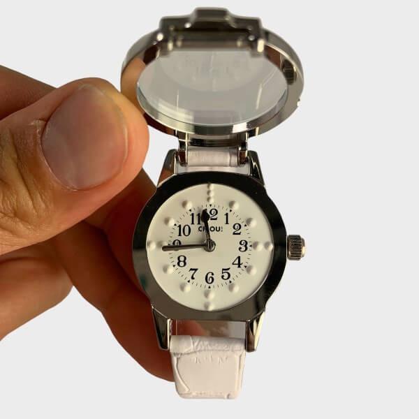 Montre braille bracelet en cuir blanc