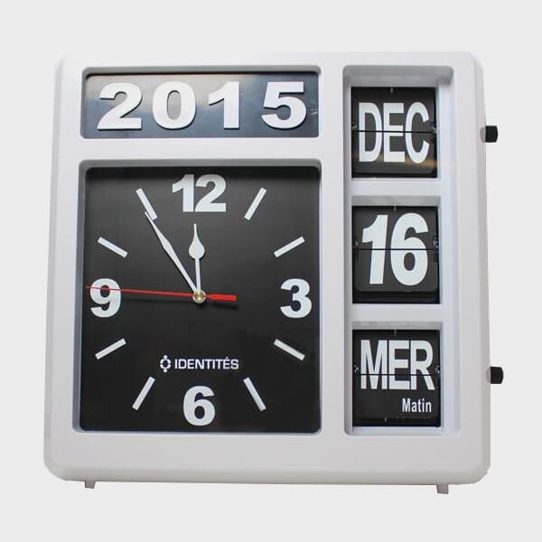 Horloge calendrier géante