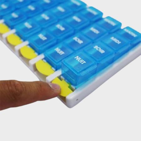 Pilulier hebdomadaire avec 4 compartiments par jour