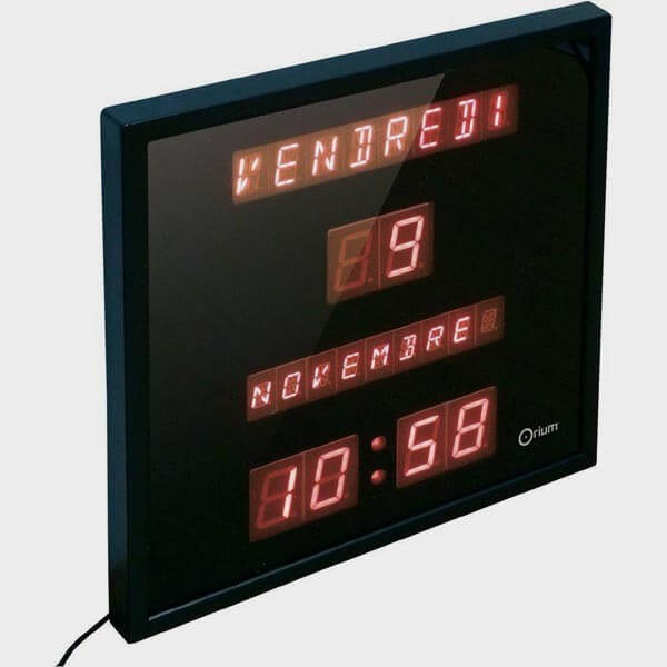 Horloge calendrier jours et mois à LEDs